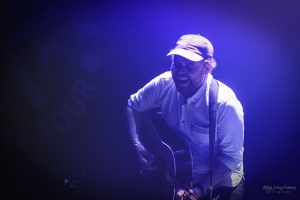 Scott Hutchinson (Frightened Rabbit) at Roundhouse in London 2017 (Lost Evenings)