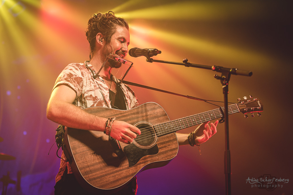 Jeremy Loops at Huxleys Neue Welt, Berlin (2019)