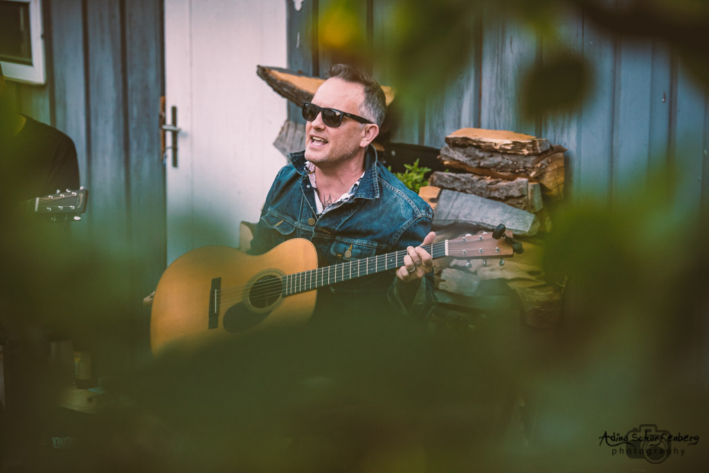 Dave Hause at a house show, Berlin (2021)